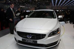 Volvo_V60_plug_in_hybrid-front